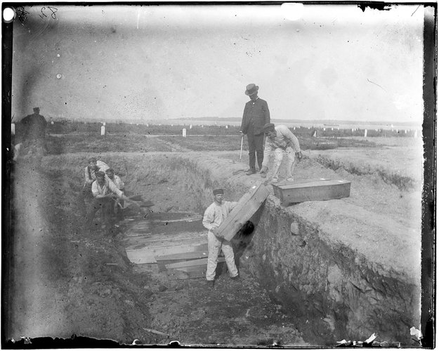 File:A trench at the potter