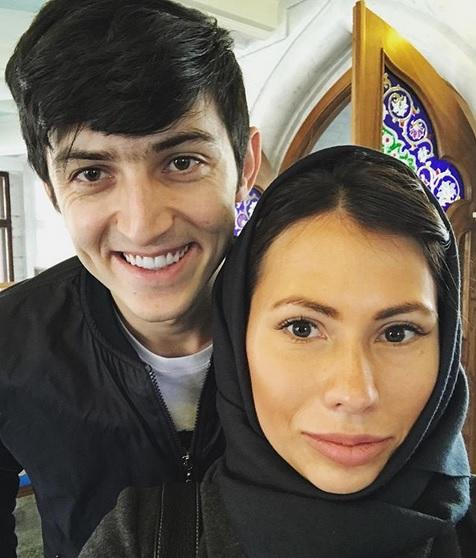 ماریا کوماندنایا مجری برنامه قرعه کشی جام جهانی 2018 روسیه و سردار آزمون