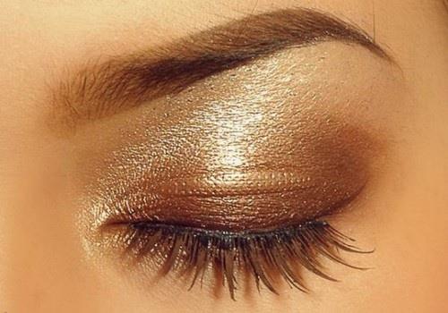 آرایش طلایی کردن چشم