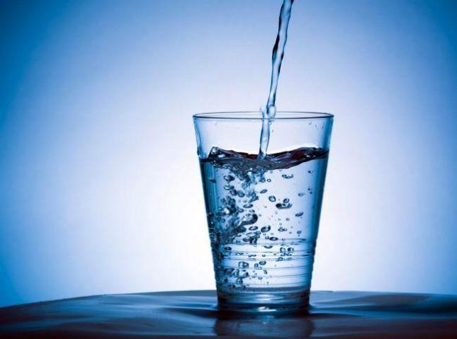آشنایی با علائم کمبود آب در بدن و عواقب آن