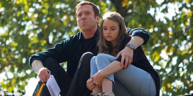 چگونگی و شیوه صحیح رفتار و رابطه یک پدر با دخترش در سن بلوغ