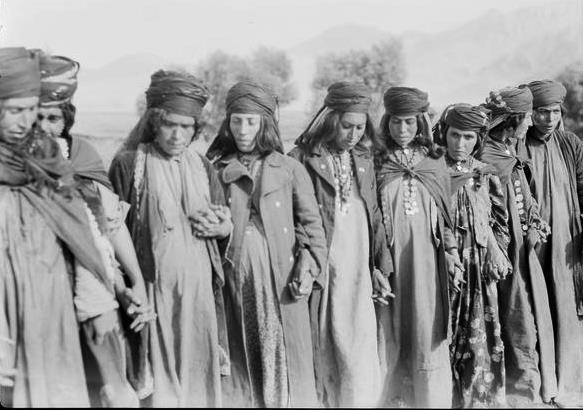 روش های قدیمی برای بخت گشایی دختران جوان در ایران