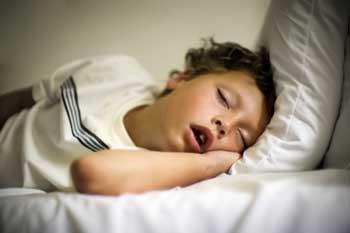 علت و دلیل خروپف در کودکان چیست؟