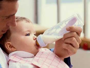 شیر خوردن کودک, شیر دادن به کودک, شیرپاستوریزه, شیرمادر, فواید شیرمادر