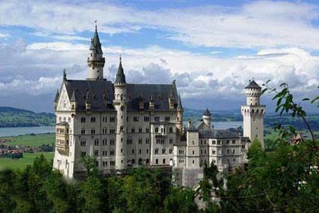 زیباترین قلعه های دنیا,قلعه های دنیا,قلعه نُی شوان شتاین در آلمان