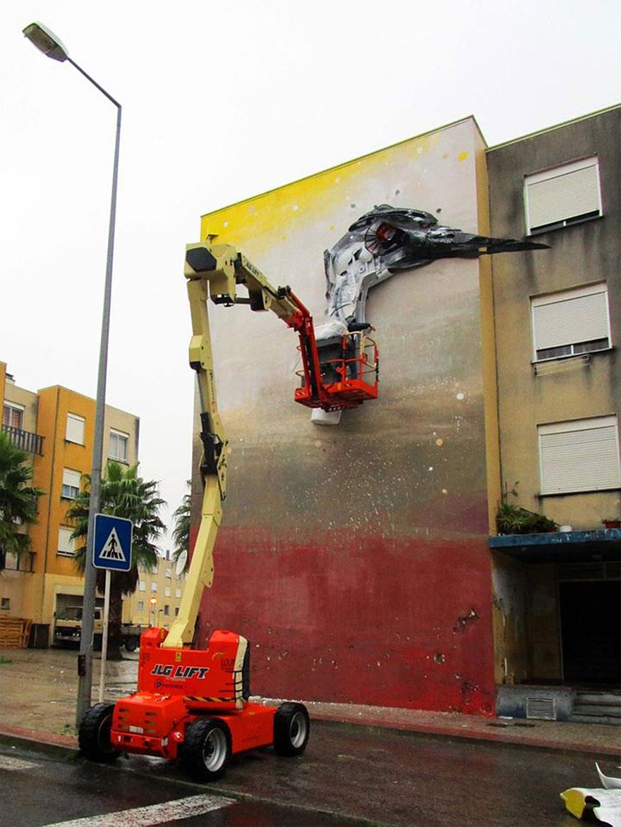 recycled-sculptures-street-art-big-trash-animals-artur-bordalo-12