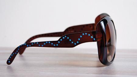 روش های تزیین عینک آفتابی, تزیین دسته های عینک آفتابی