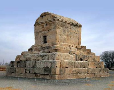 مقبره کوروش,تاریخچه مقبره کوروش,آرامگاه کوروش کبیر