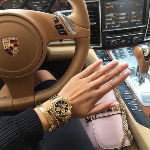 عکس پروفایل دخترونه لاکچری کیف و دستند و ساعت و ماشین
