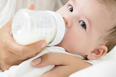 درمان یبوست نوزاد در طب سنتی