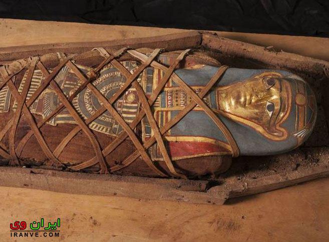 عکس های کشف مومیایی با ماسک طلا در مصر