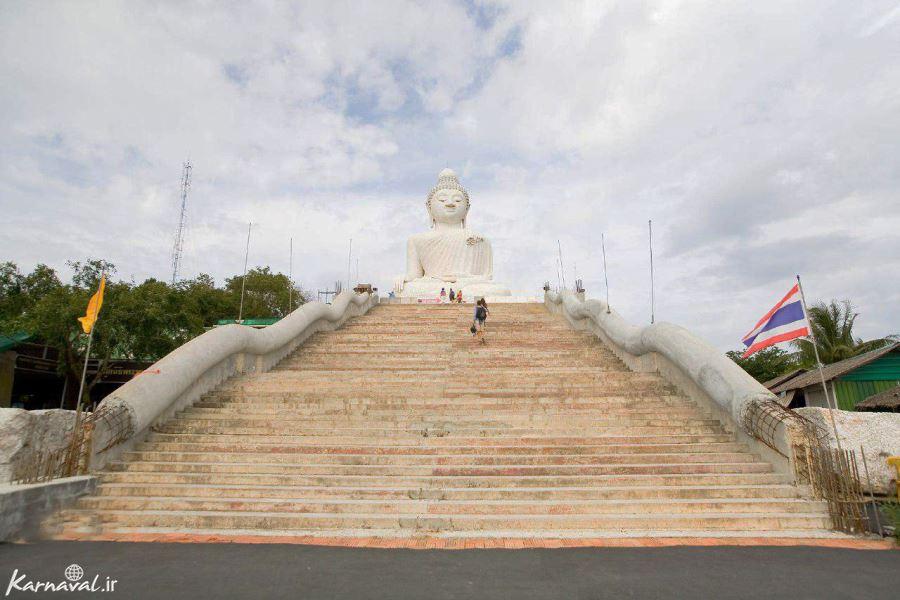 پلکان طولانی برای رسیدن به بودای بزرگ پوکت