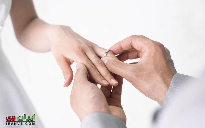 دست کردن رینگ عروس توسط داماد