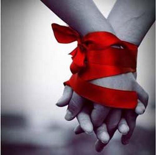 عکس پروفایل عاشقانه بستن دست با ربان قرمز