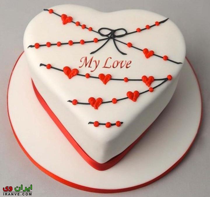 عکس کیک ولنتاین سفید ساده به شکل قلب دو نفره