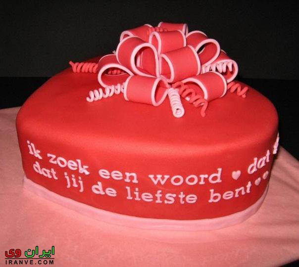 عکس کیک ولنتاین عاشقانه قرمز به شکل قلب