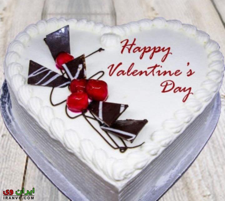 عکس کیک ولنتاین سفید دونفره به شکل قلب