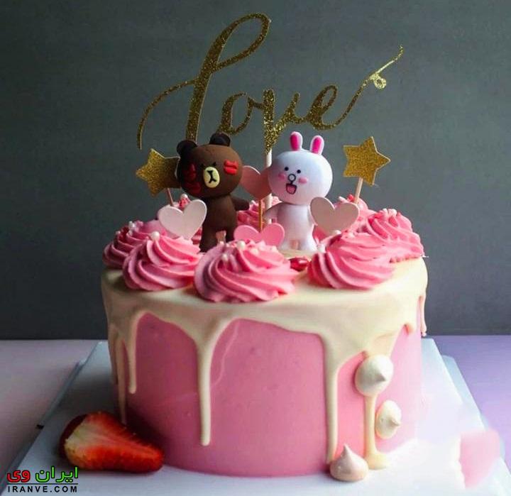 عکس کیک ولنتاین تزیین عاشقانه دونفره به رنگ صورتی خانگی