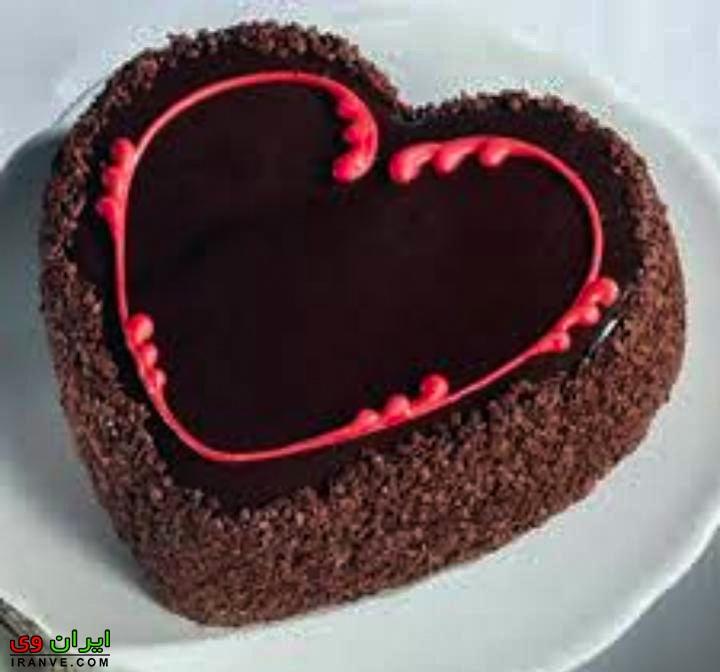 عکس کیک ولنتاین شکلاتی خانگی دونفره عاشقانه