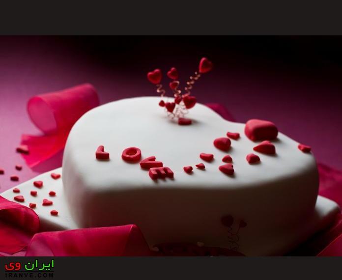 عکس کیک ولنتاین به شکل قلب ساده خانگی