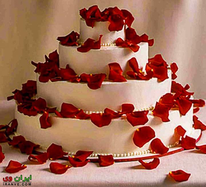 عکس کیک ولنتاین بزرگ چند طبقه
