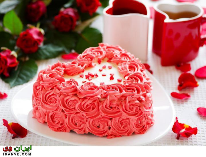 عکس کیک ولنتاین مبارک عاشقانه به شکل قلب