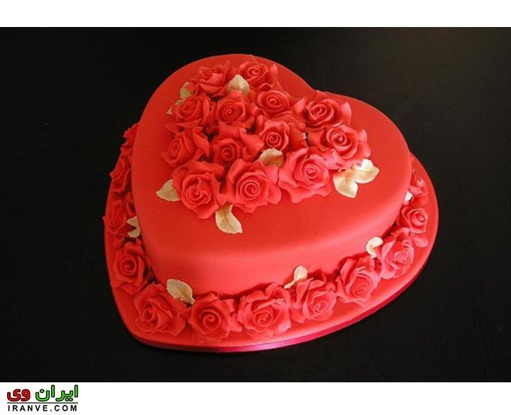 عکس کیک ولنتاین قرمز عاشقانه