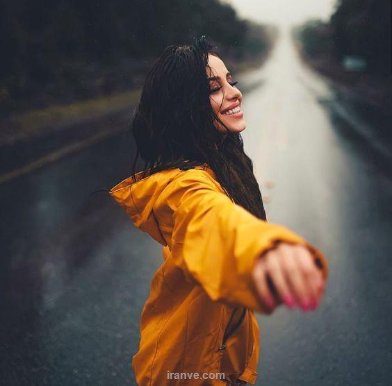 عکس دخترونه زیر بارون