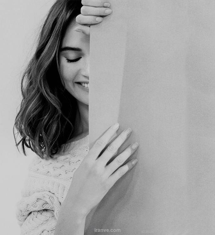 عکس دخترونه در حال خندیدن