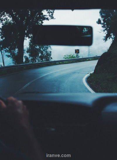 پروفایل تلگرام در حال رانندگی در جاده شب