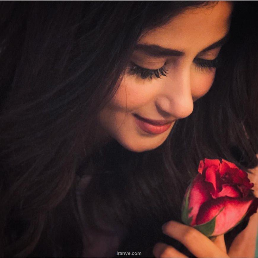 عکـس پروفایل دختر و گل رز