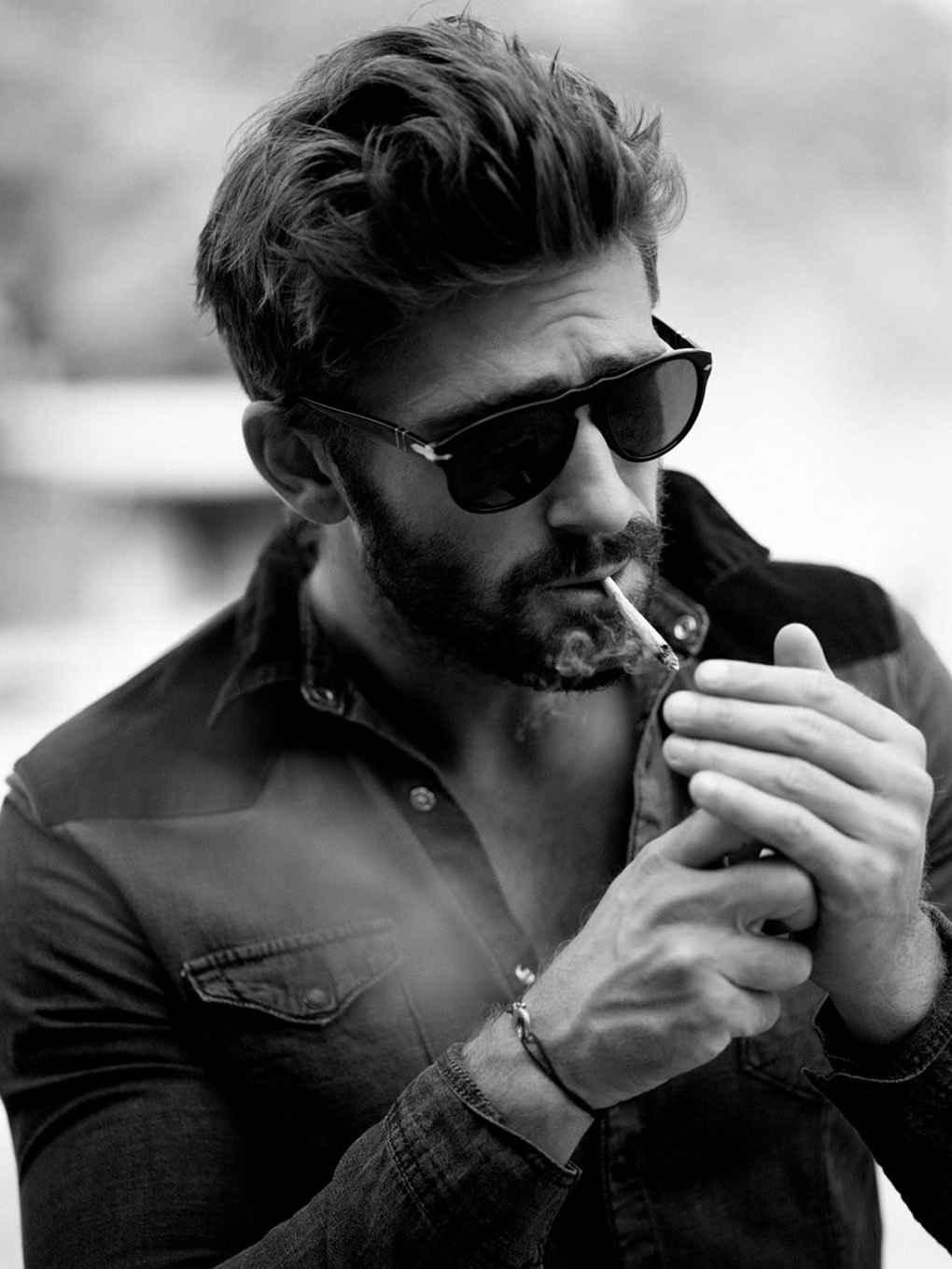 عکس سیگار ی , عکس سیگار رنگی دخترانه , عکس دختر تنها سیگار به دست