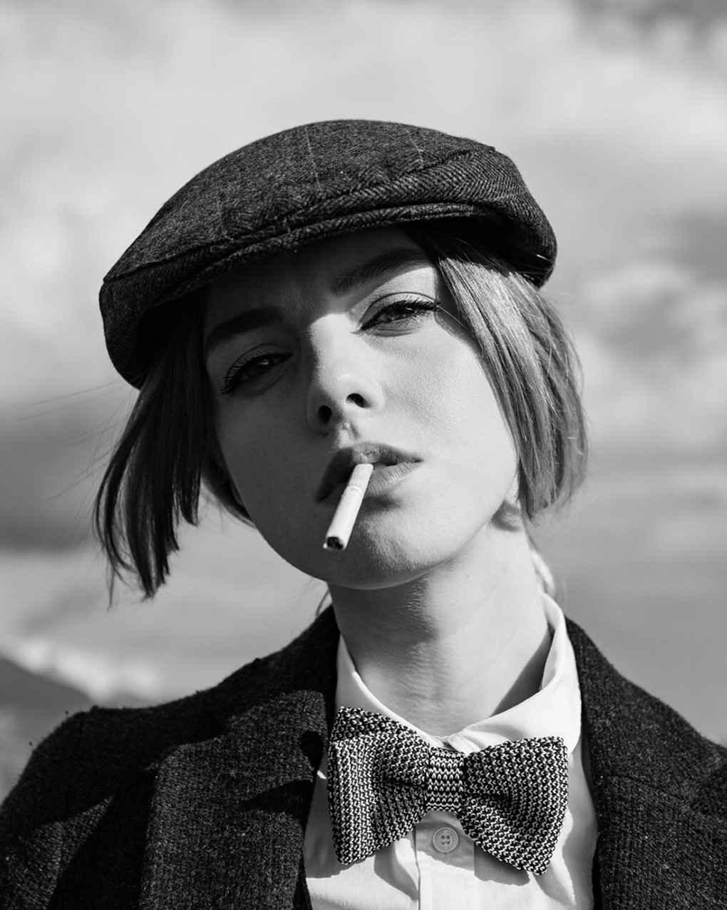 عکس غمگین سیگار کشیدن دختر , عکس سیگار الکترونیکی , پروفایل دخترونه سیگار کشیدن