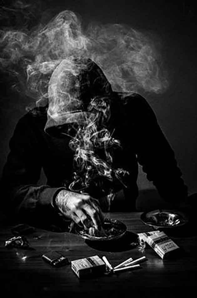 عکس سیگاری گل , عکس پروفایل سیگار خفن , عکس هنری دختر با سیگار