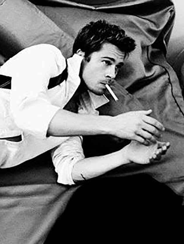 عکسهای سیگار جدید , عکس سیگار در دست پسر , عکس مرد غمگین سیگار