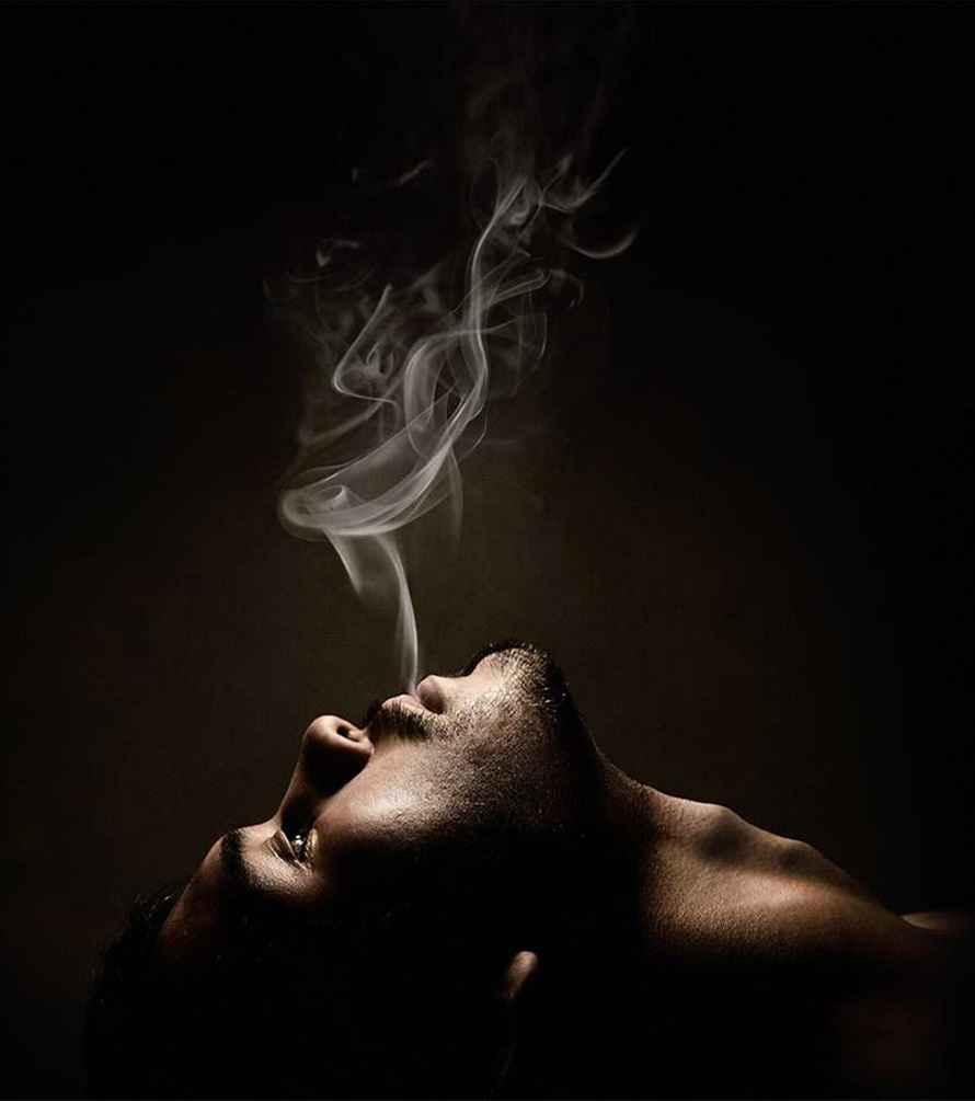 عکس سیگار کشیدن حیوانات , عکس سیگار تو دست , عکس مرد غمگین با سیگار