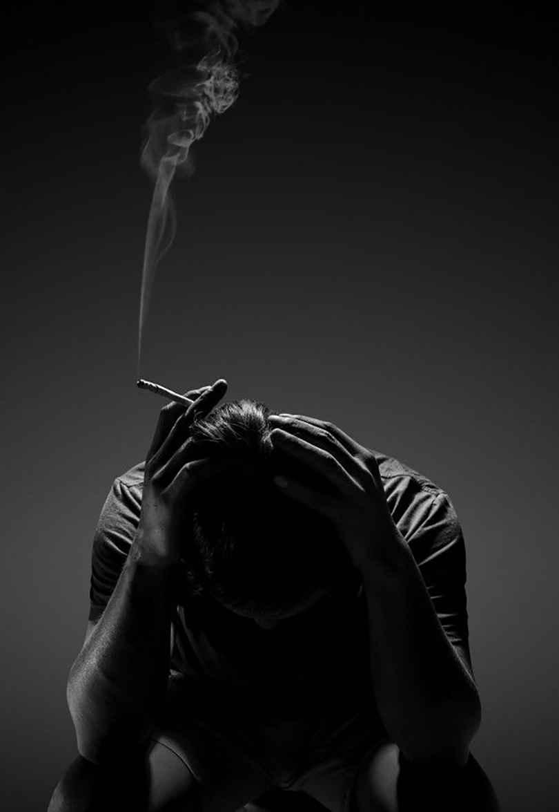 عکس سیگار خالی , پروفایل سیگاری , عکس پروفایل غمگین پسرانه سیگار