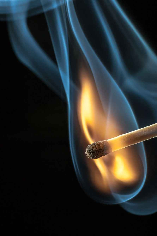 عکس سیگار بهمن کوچک , عکس سیگار تو دست فیک , عکس نوشته غمگین با سیگار