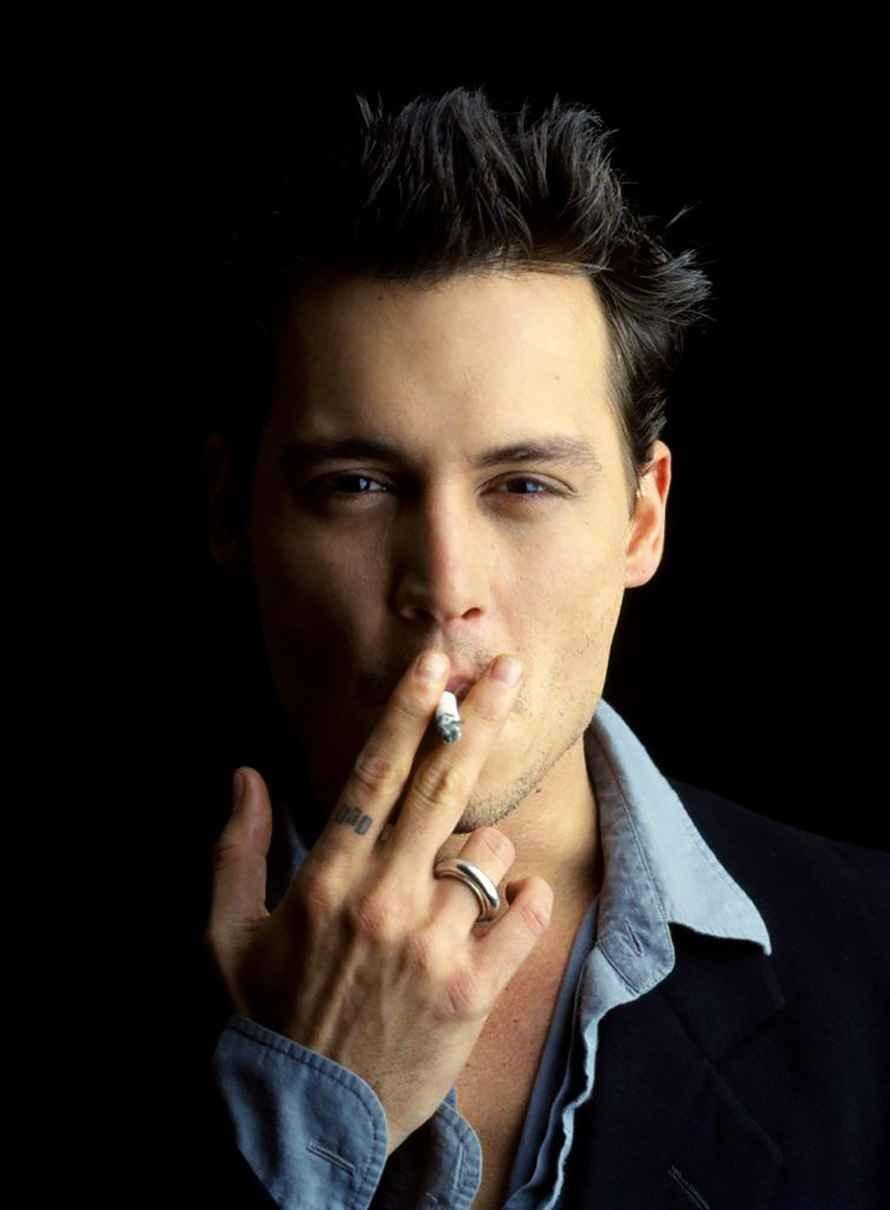 عکس سیگار خامنه ای , عکس سیگار روشن , عکس دختر با سیگار ماربرو