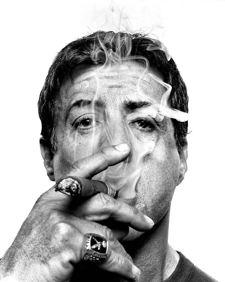 عکس اسکلت در حال سیگار کشیدن , عکس سیگار روی کیک تولد , عکس از دختر سیگار