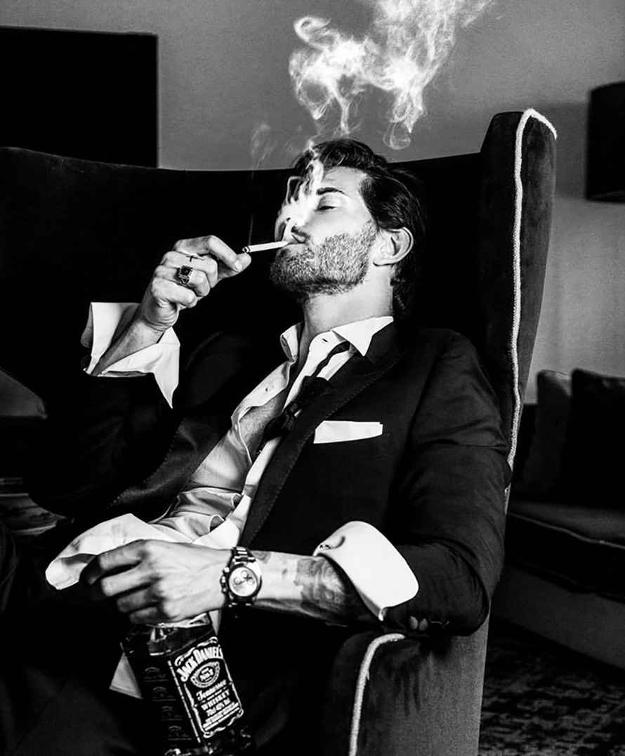 عکس دود سیگار عاشقانه , عکس سیگار زیکا , عکس سیگار کشیدن دختر غمگین