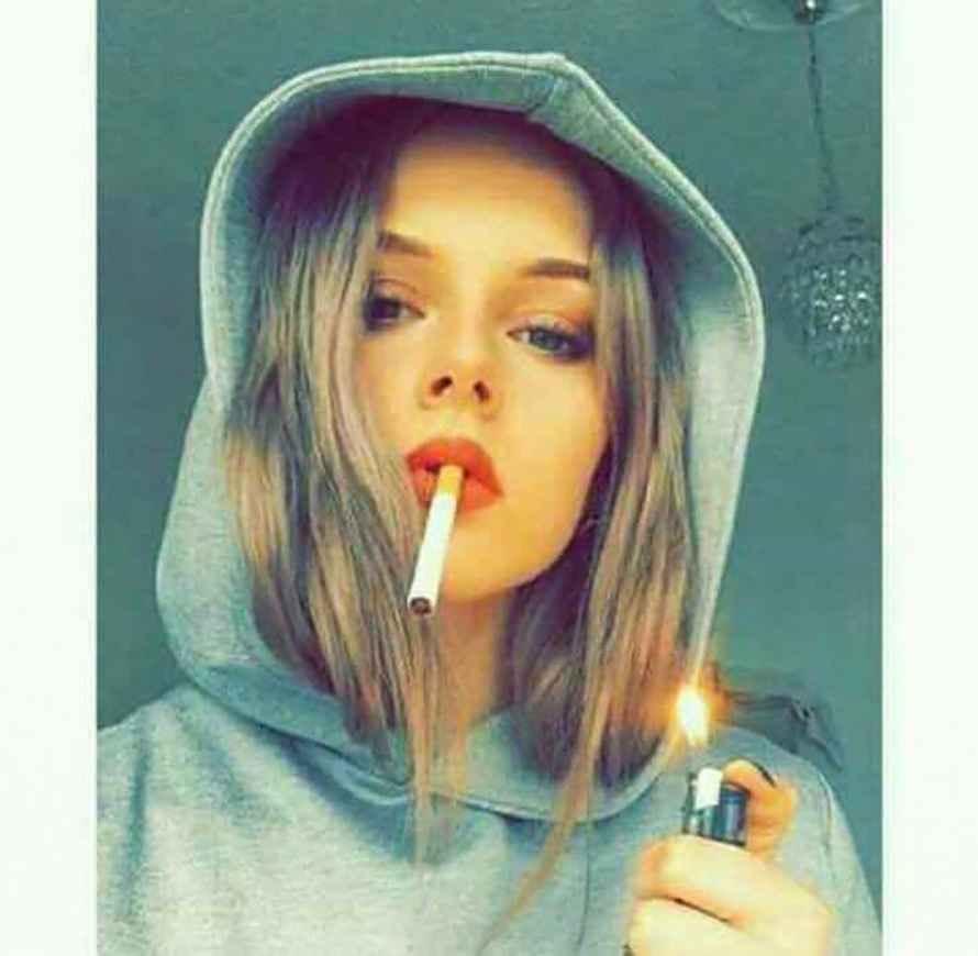 عکس سیگار عنبر نسارا , عکس سیگار و مشروب , عکس دختر با سیگار لاکچری