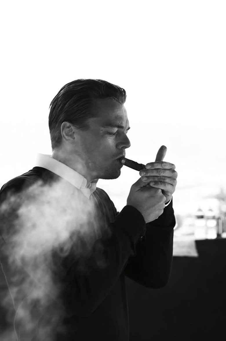 عکس دختری در حال سیگار کشیدن , عکس سیگار دخترانه , عکس غمگین سیگار بدون متن