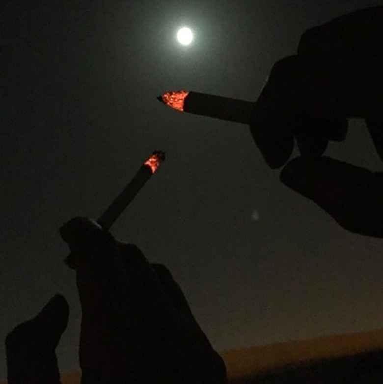 عکس سیگار بدون ضرر , عکس سیگار دخترونه فیک , عکس غمگین پسرانه با سیگار , عکس نوشته دختر و سیگار