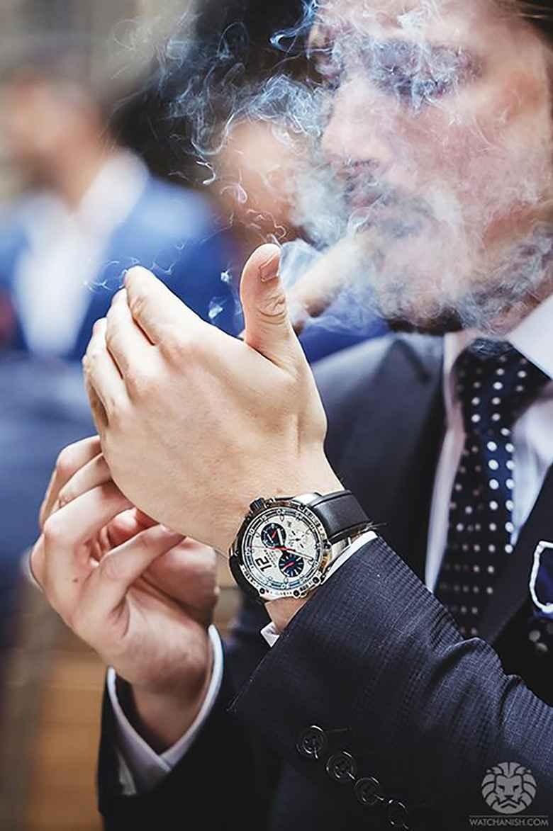 عکس سیگار کشیدن دختر برای پروفایل , عکس سیگار نکش , عکس متن غمگین سیگار , عکس دختر که داره سیگار میکشه